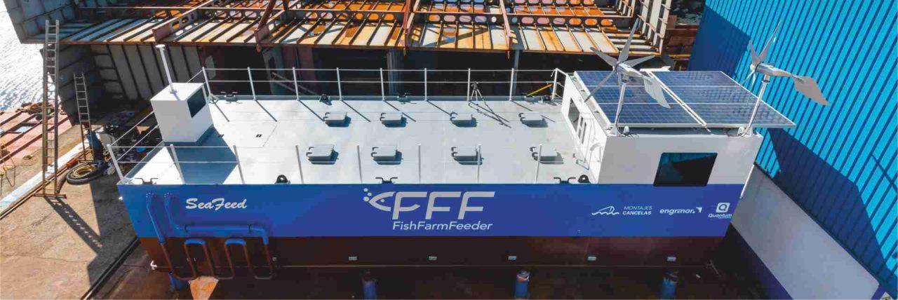 https://www.fishfarmfeeder.com/wp-content/uploads/2020/07/Feed-Barge-Ponton-Barcaza-FFF-FFB1675_1-1280x428.jpg